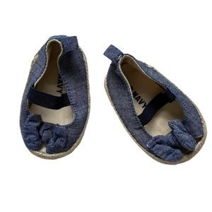 Old navy chambray bow soft shoes 0-3 months